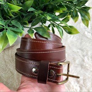 Ariat woman's brown leather belt 30 brass buckle